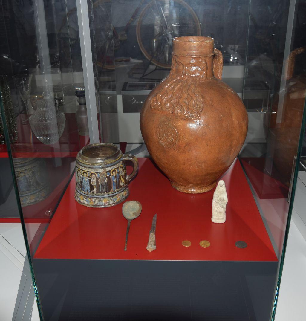 Exponate aus dem mittelalterlichen Bergheim