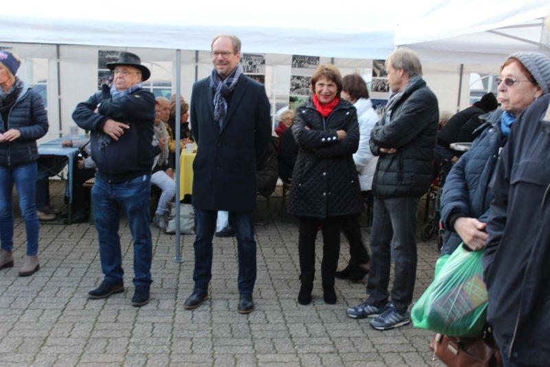Bürgermeister Volker Mießeler mit seiner Vorgängerin Maria Pfordt