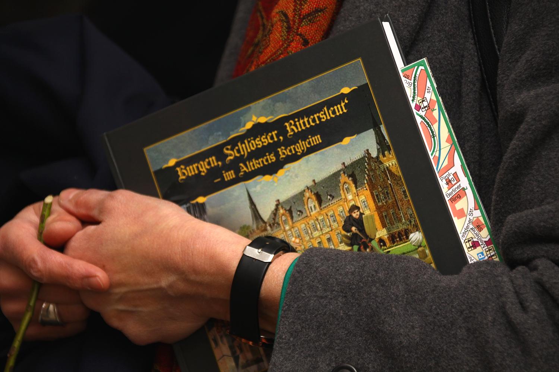 das Begleitbuch zur Ausstellung