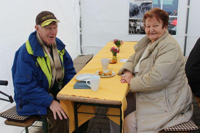 Seniorenweltmeister im Tennis ü 80 Günther Schwellnus und seine Frau Elisabeth