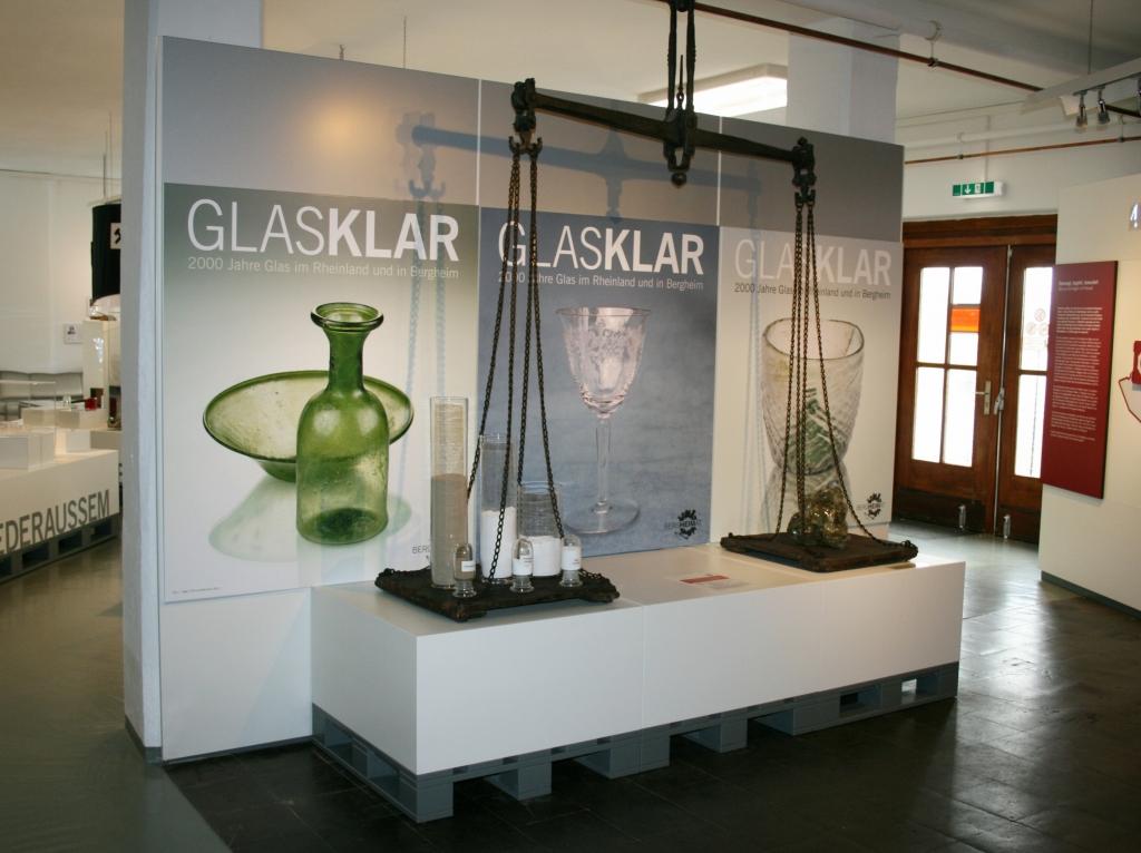 Glaskar - zu Beginn wurde erklärt, wie man Glas herstellt