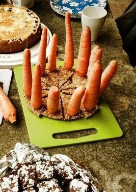 Snorris Geburtstags-Möhren-Kerzen-Kuchen :)
