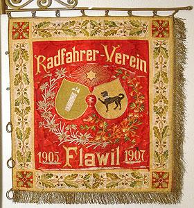 Fahne des Radfahrervereins Flawil in Stickerei