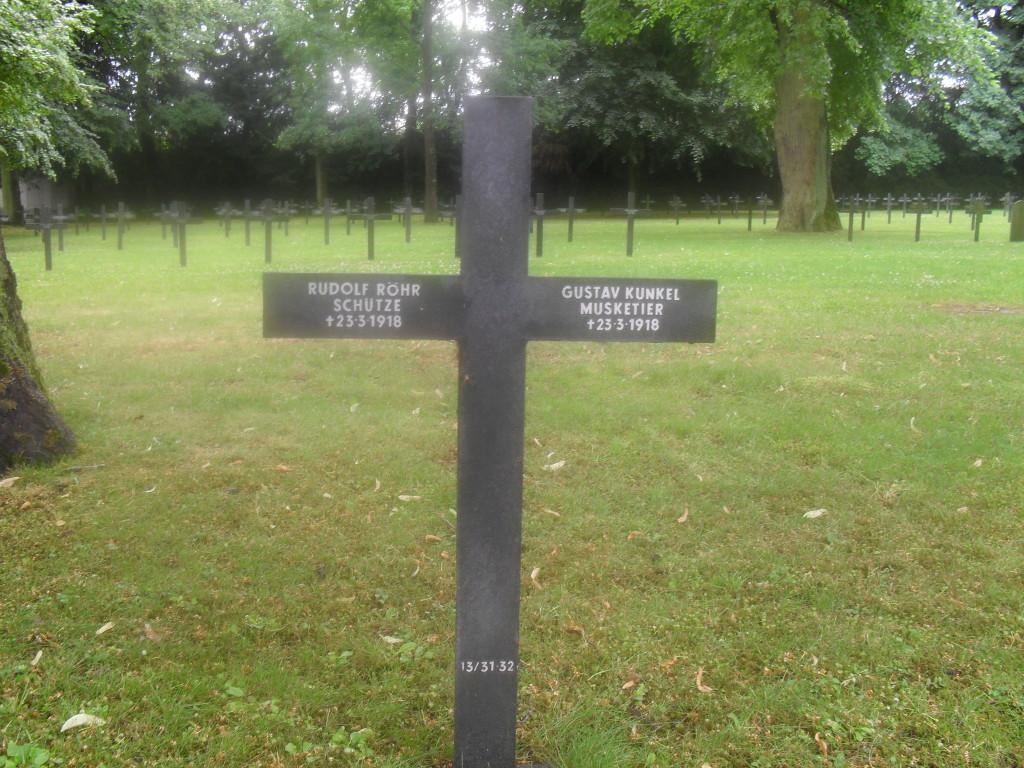 Cimetière militaire allemand de SAint-quentin 02 Aisne