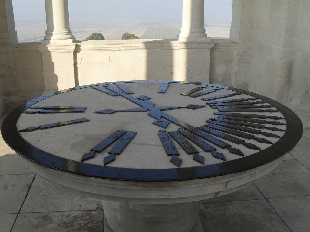 Positioning table top of tower Villers bretonneux