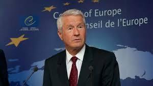Monsieur Thordbjorn JAGLAND le Secrétaire Général du Conseil de l'EUROPE (voir site www.maisonnonconforme.fr)