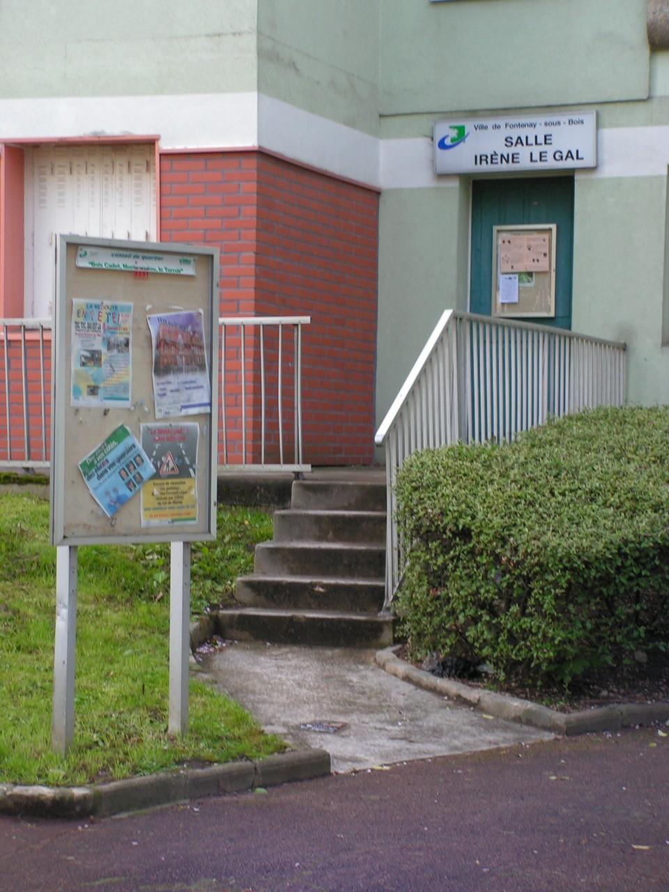 Salle Irène Le Gal, dans le recoin à droite