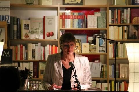 """Elisabeth Tworek liest aus """"Literarische Wetterlagen"""""""