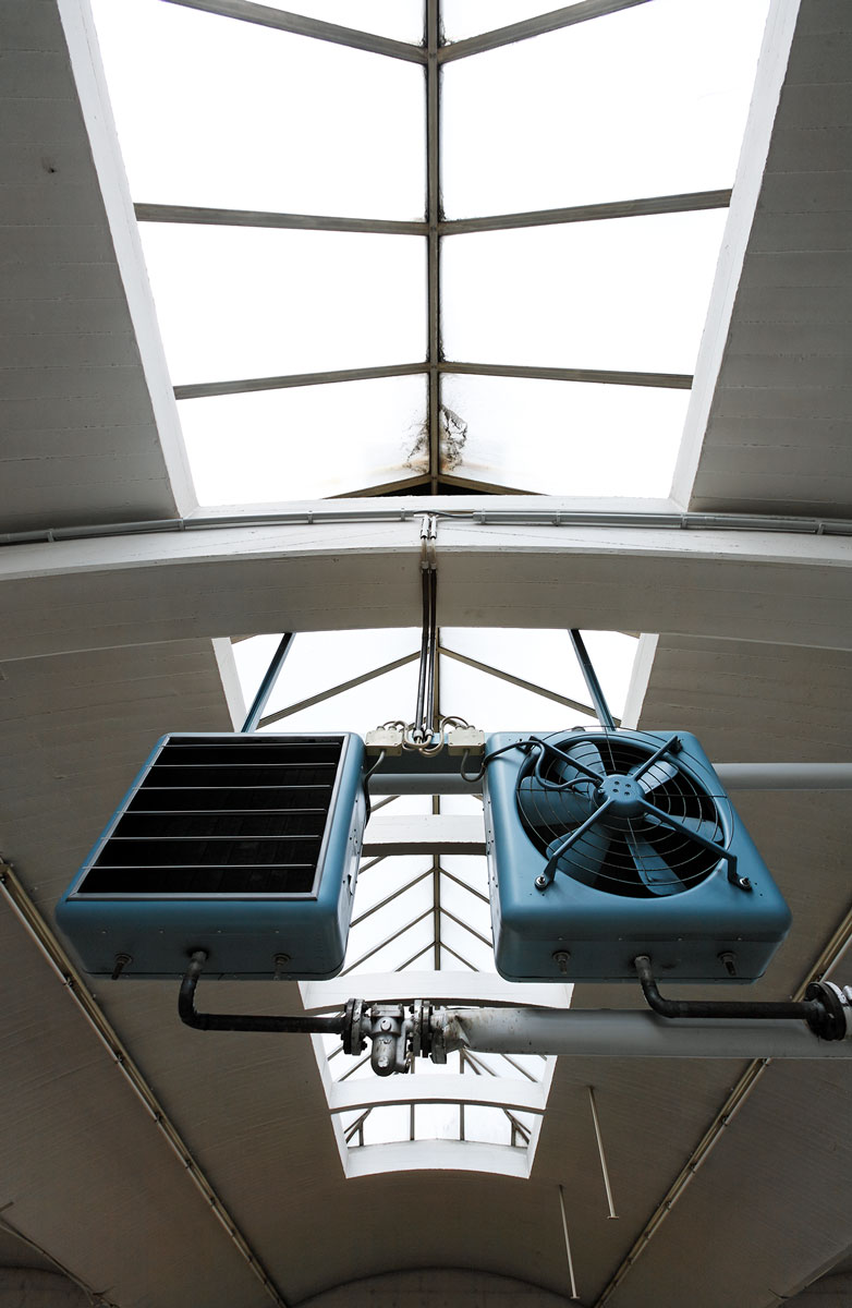 Ventilatoren unter dem Shetdach