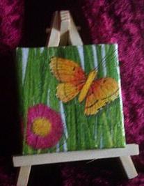 """""""Kleiner Schmetterling"""" - ein kleines 7 x 7 cm Bild auf einer Mini-Staffelei"""