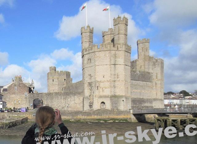 Caernarfon Castle, Gwynedd (53° 8′ 21.68″ N, 4° 16′ 36.8″ W)...