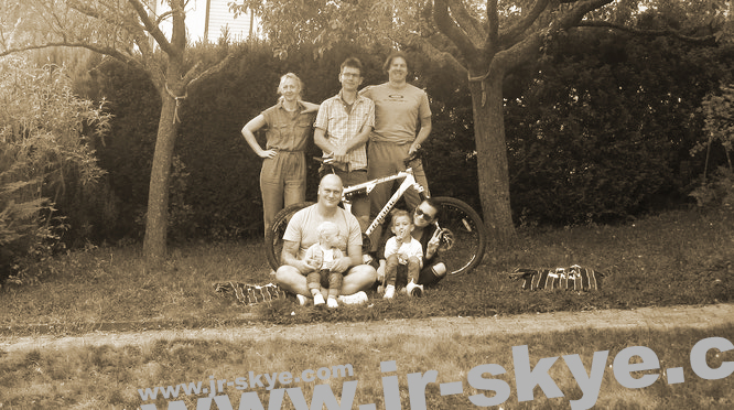 My mountainbike tours around Frankfurt also take place in small groups (here - 2018 - only 7 persons, including the youngest)...