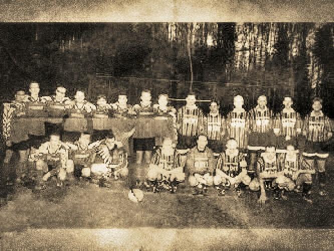 """ARTwork - danke Andrea für dieses Motiv. Mein A-Team, zusammen mit der sympathischen Truppe von """"Dynamo Rodenbach"""", ein Fussball-Hobbyteam aus Hanau/Rodenbach/Langenselbold (insgesamt 6 Spiele)!"""