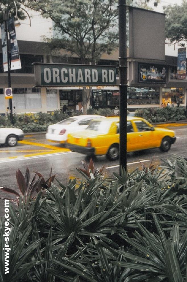 Singapur, Orchard Road - Vergangenheit und Zukunft, Tradition und Perspektive. Zeitaufwand für dieses Foto: 60 Minuten...und etwas Glück!