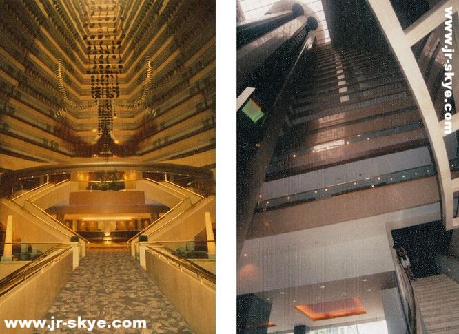 """Das 5-Sterne Hotel """"Marina Mandarin Singapore"""" befindet sich am Raffles Boulevard; das 21-stöckige Atrium stellt eines der größten Südostasiens dar…"""