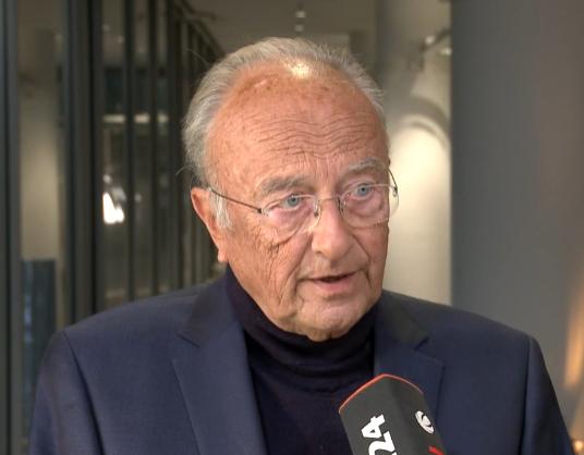 Rupert Scholz (* 23. Mai 1937 in Berlin) ist ein deutscher Politiker (CDU) und Staatsrechtler (Wikipedia)
