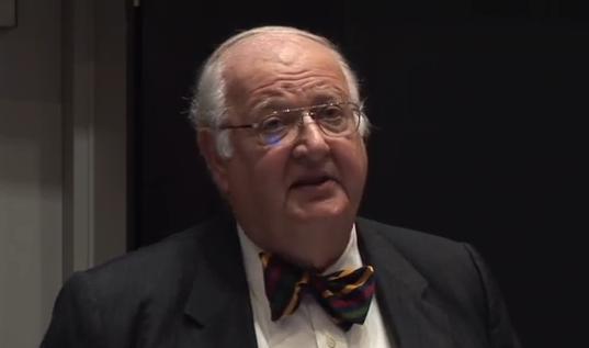 Angus Stewart Deaton (* 19. Oktober 1945 in Edinburgh) ist ein britisch-US-amerikanischer Ökonom (Wikipedia)