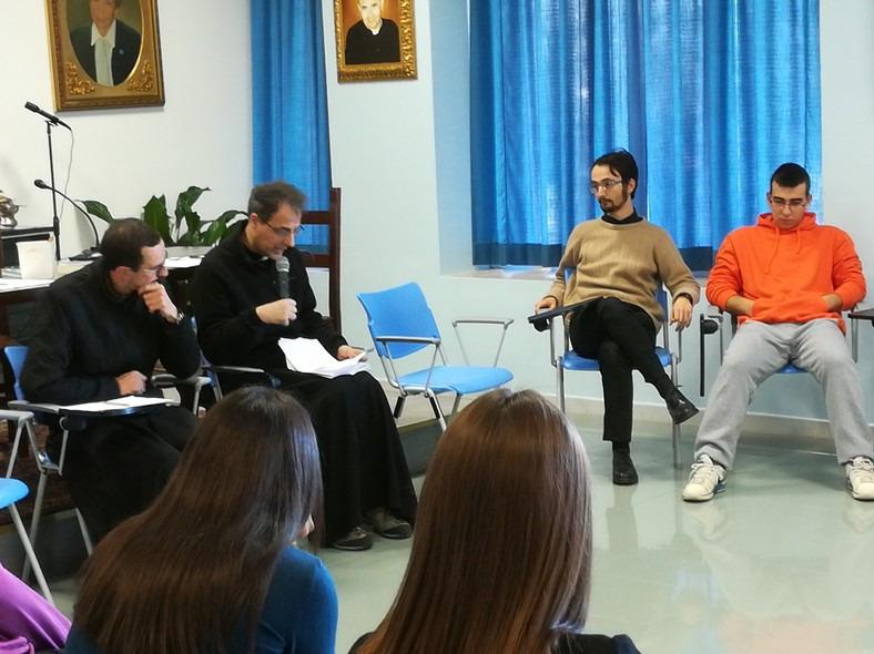con i sacerdoti si dialoga sulla gioia