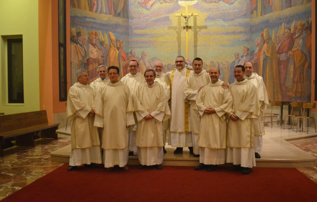 il decano dei diaconi nella sua parrocchia