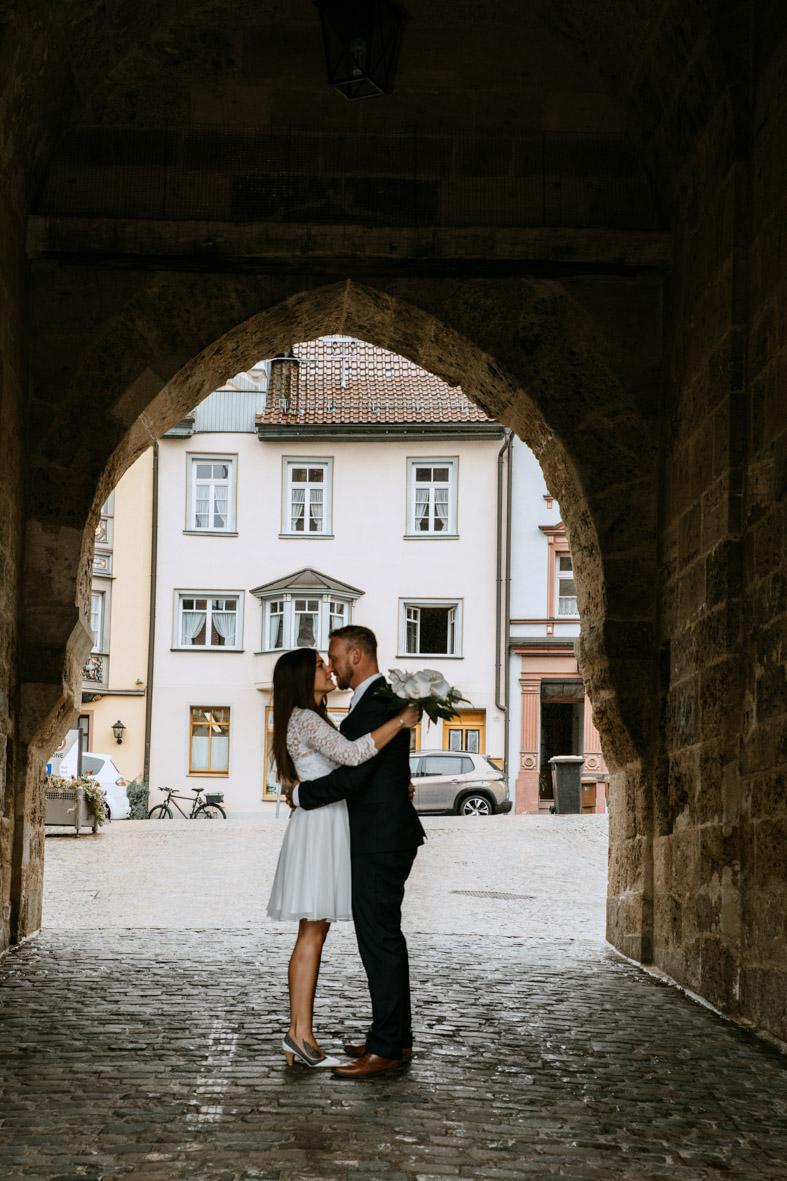 Brautpaarshooting in Rottweil, schwarzes Tor