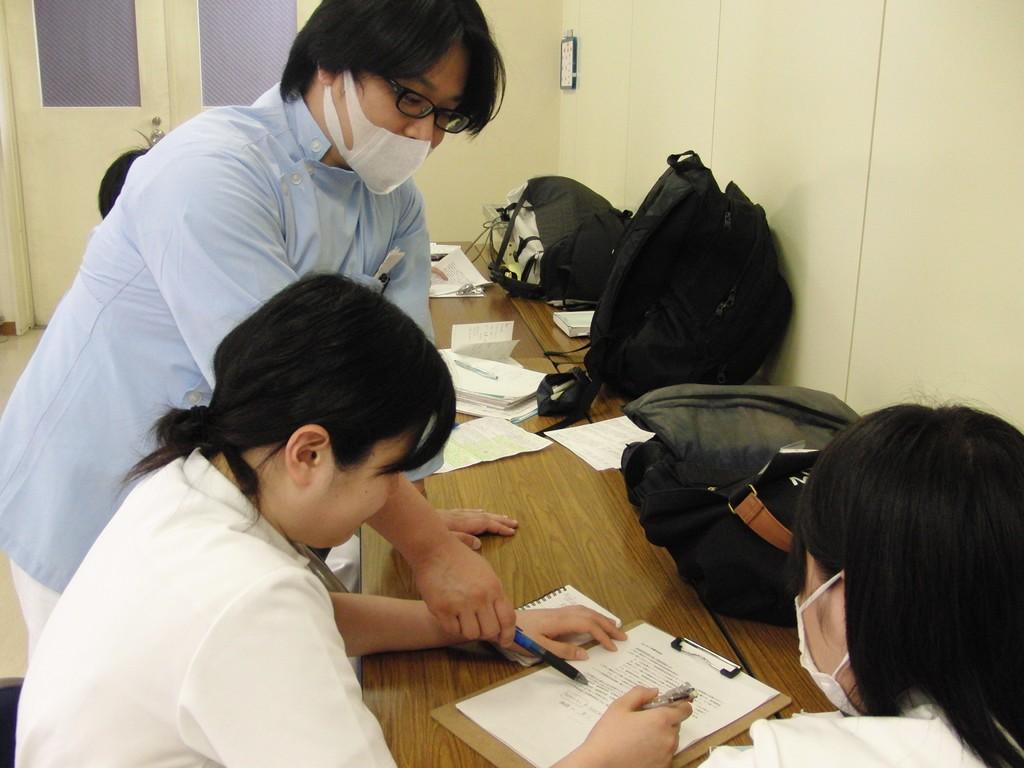 藍野病院での臨床教員による実習生指導