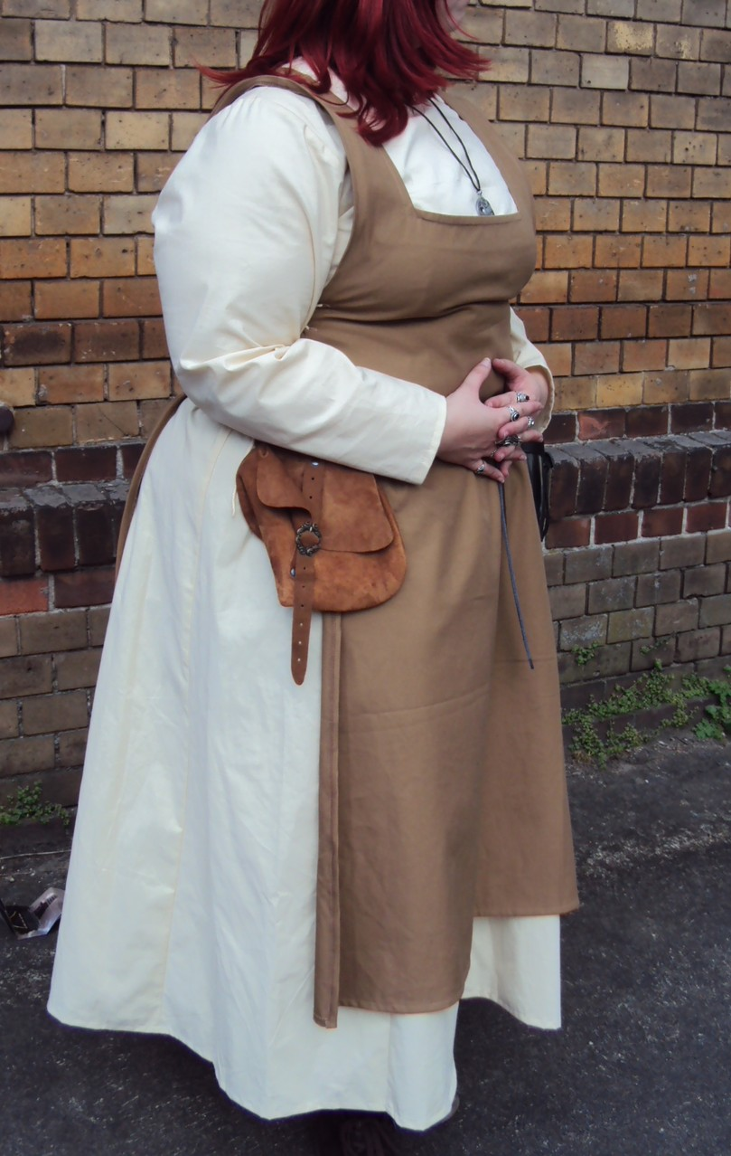 Überkleid und Kleid nach Wunsch