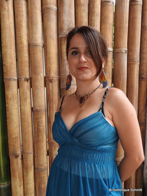 Sydélia est la fille de Patrice Guirao, écrivain et parolier et la petite-fille de l'oranais Jean-Michel Guirao, fondateur de la revue littéraire Simoun (1952-1962)