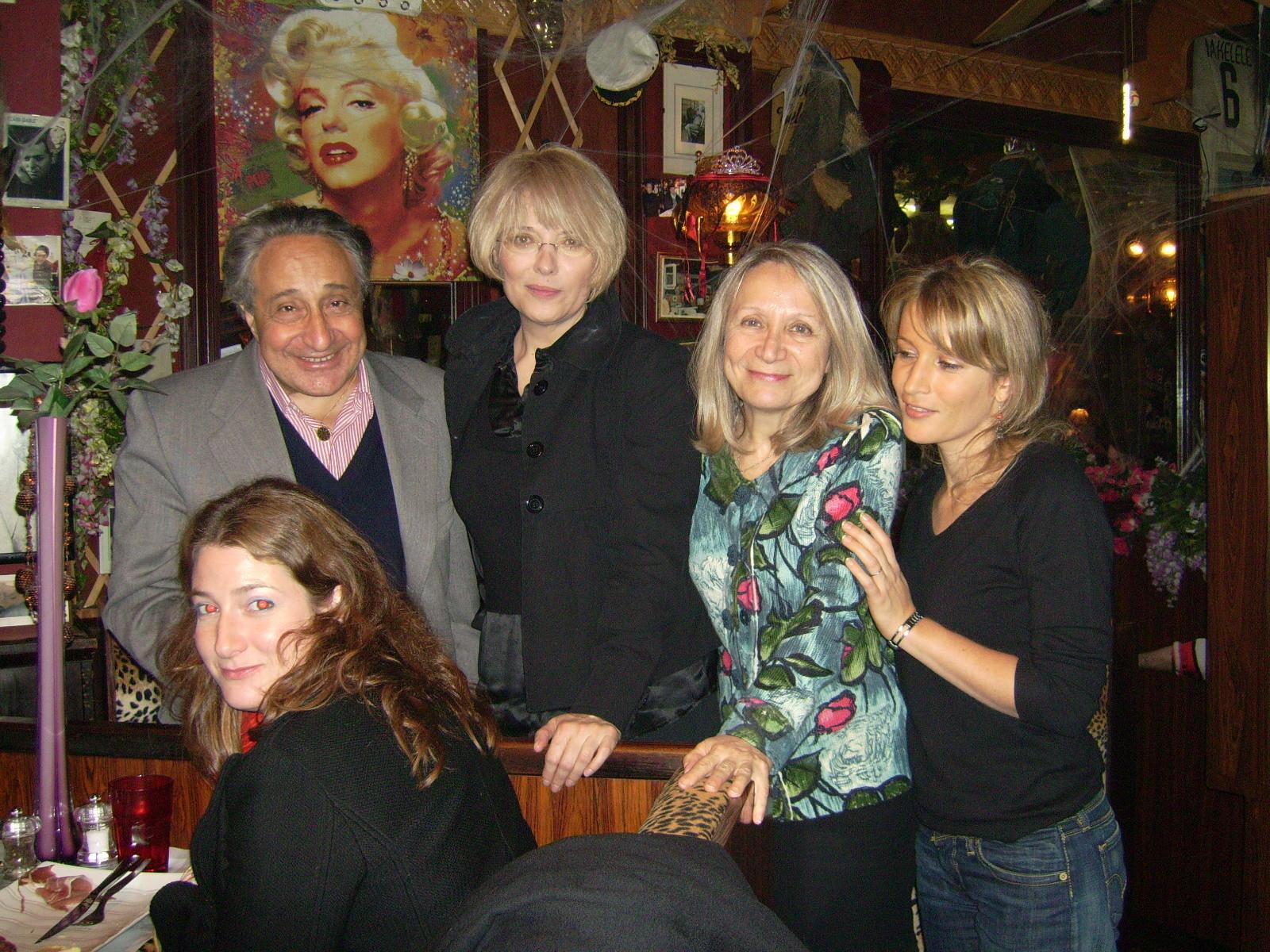 Eniko Szilagyi et les amis du PJE, après le concert au Déjazet, nov 2007