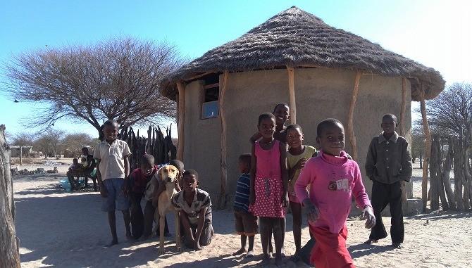 レホツアナ村の子供たち