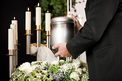 Feuerbestattung, Urnenbegräbnis, Einäscherung