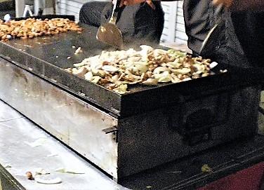 移動販売車 オーダーメイド鉄板 特注鉄板 屋台 製造 販売 キッチンカー イベントカー 鉄板焼き お好み焼き 焼きそば フランクフルト クレープ フライヤー フライドポテト 串焼き オサエちゃん 鉄板プレス 焼き鳥 バーベキュー BBQ  ステーキ ケイちゃん けいちゃん 鶏ちゃん ホルモン焼き ご当地グルメ B級グルメ