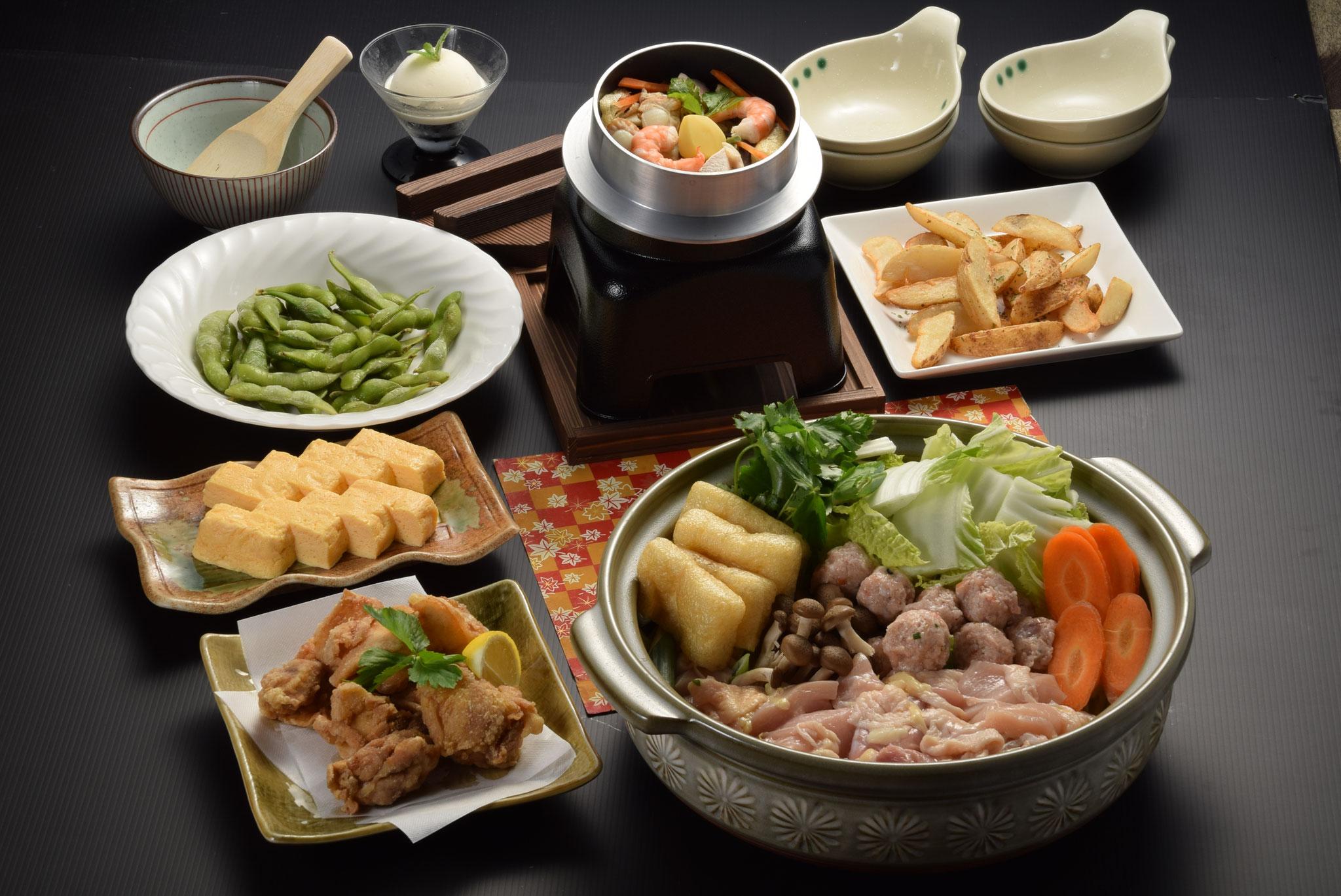 ①お鍋と釜飯(お鍋:水炊き/釜飯:五目or山菜 からお好きな組み合わせで)