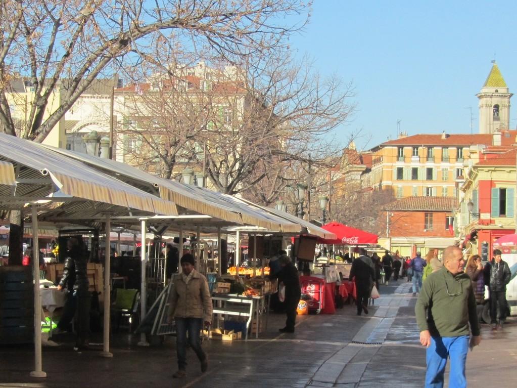 "Wochenmarkt ""Le Cours Saleya"""