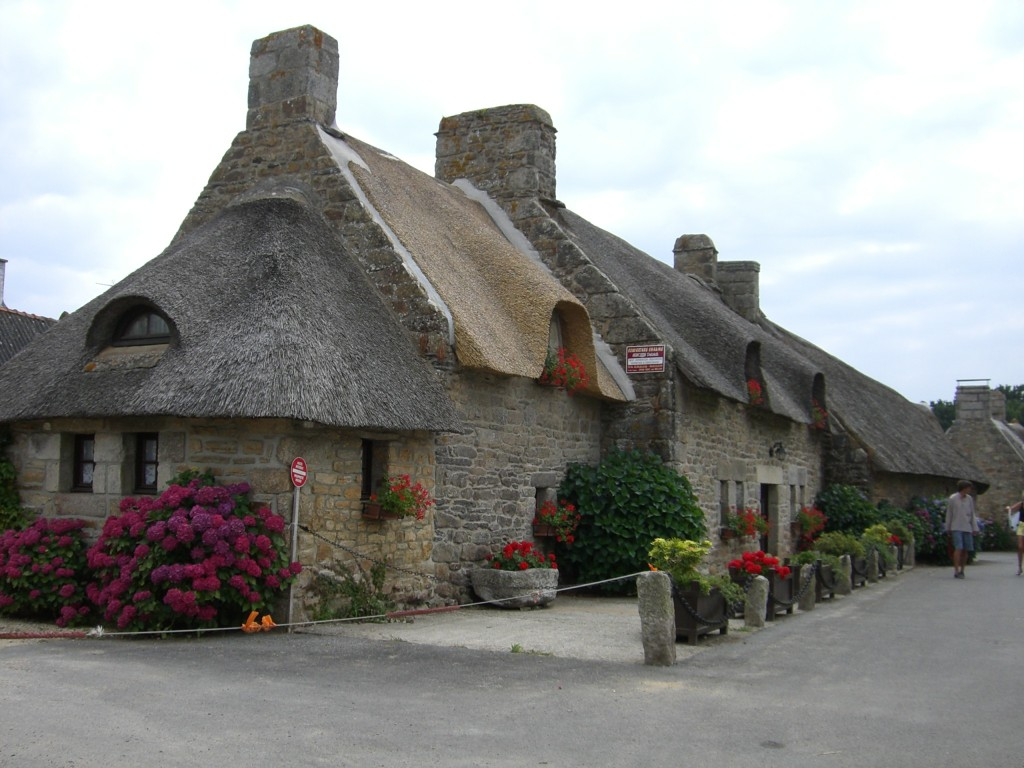 bretonisches Reetdachhaus