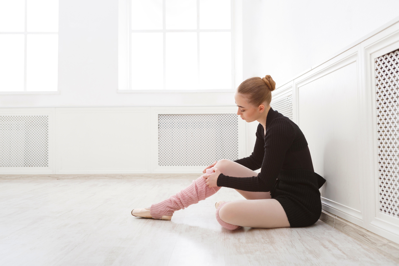 南青山とあざみ野にあるロシアスタイルのバレエスタジオ。大人初心者の方から子供、プロのバレエダンサーを目指す方まで少人数制のクラスで丁寧に指導します。バーオソルクニアセフメソッド認定講師、ロシ…