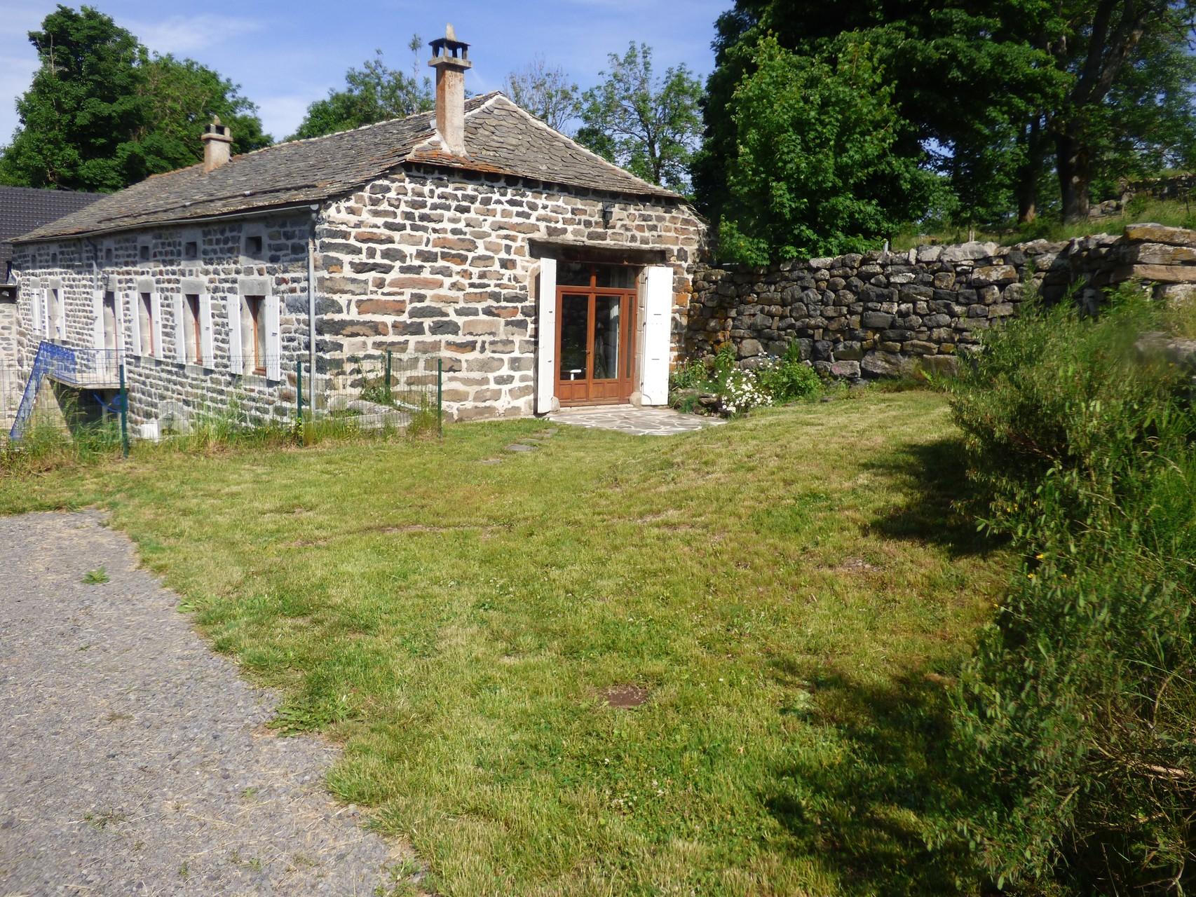 Gîte de la Grange  (1er étage de la ferme - entrée indépendante et jardin)