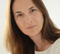 Dr. Nicole Strüber