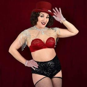Burlesque-Tänzerin Elsie Marley gastiert oft bei den Love Bites vom konkursbuch Verlag.
