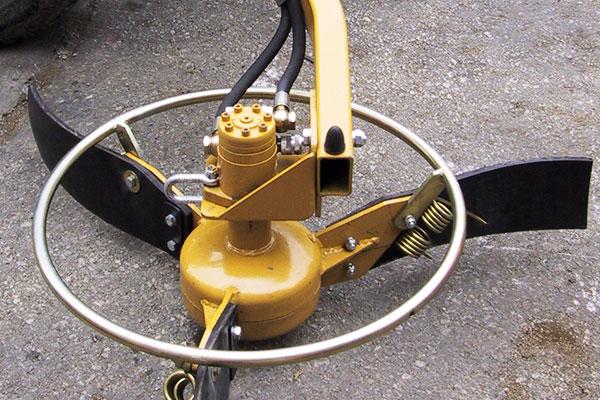SEPPI M. XAN Reisigschwader mit hydraulischen Antrieb