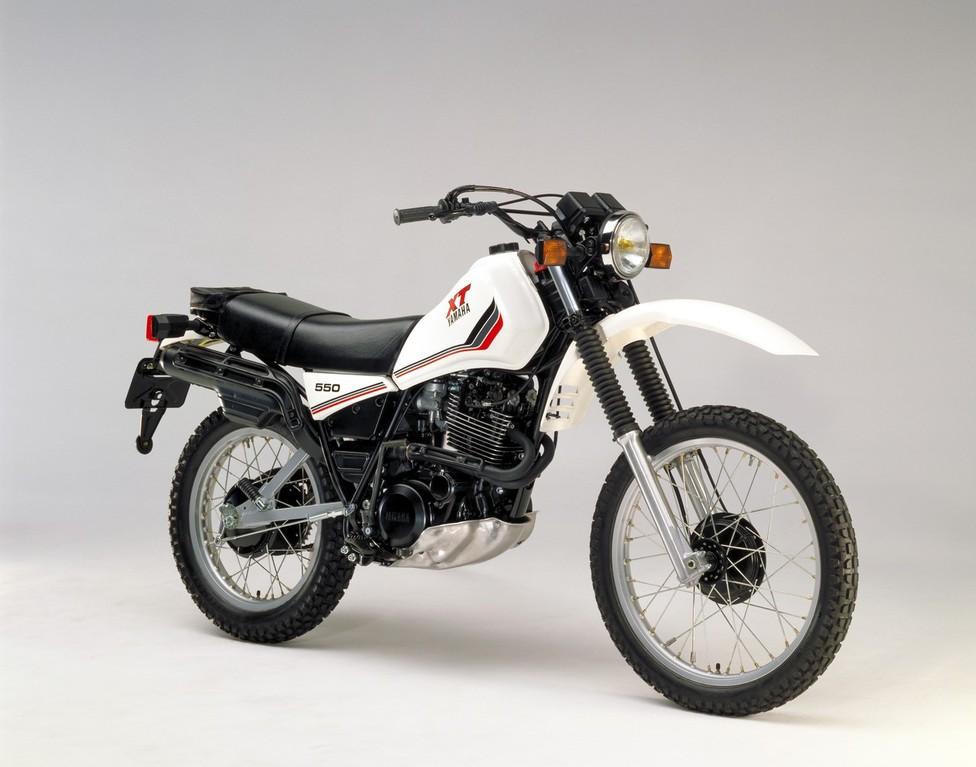YAMAHA XT 550 - 2011