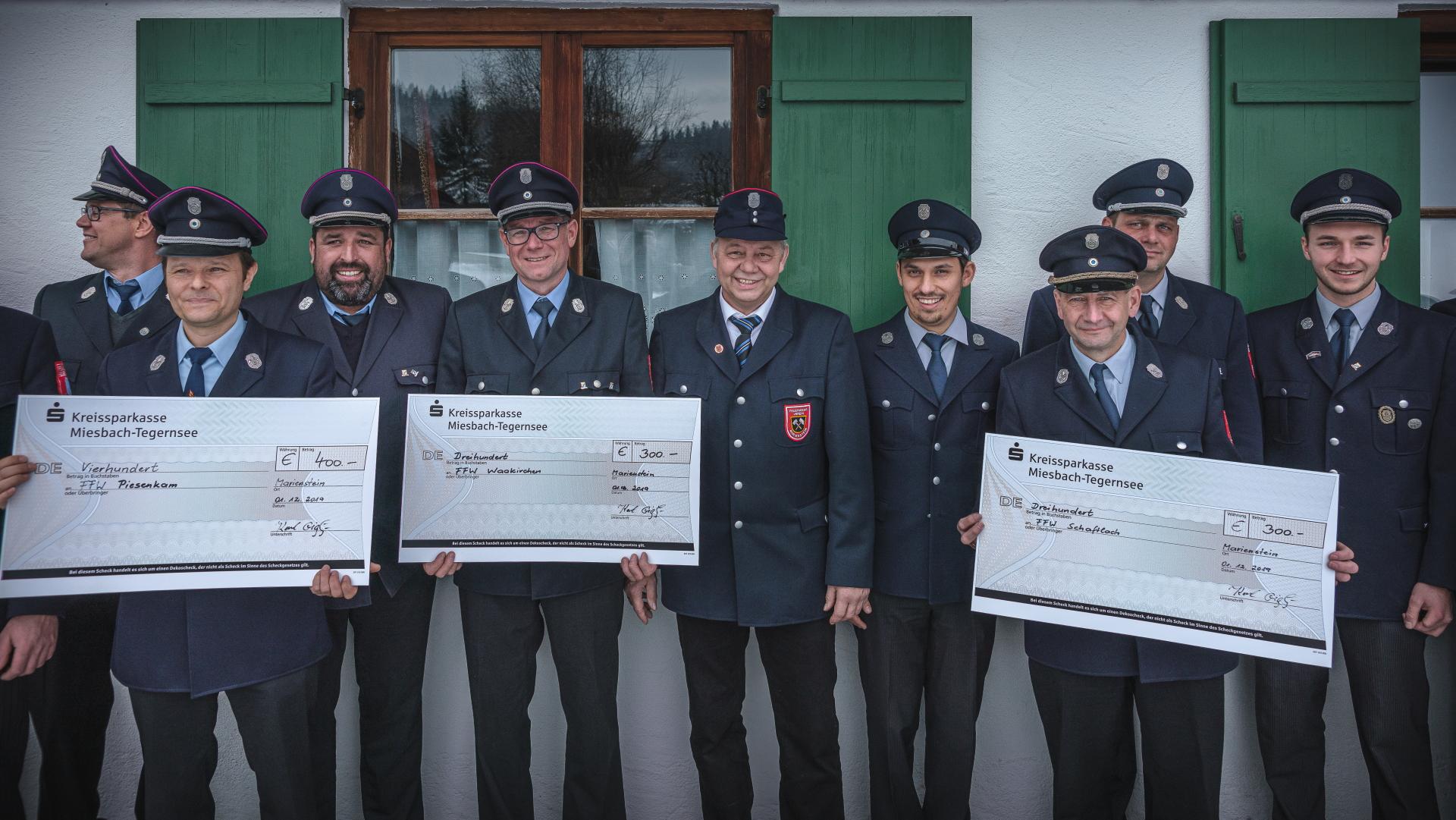 Spendenübergabe Feuerwehrverein Marienstein am 1. Dezember 2019