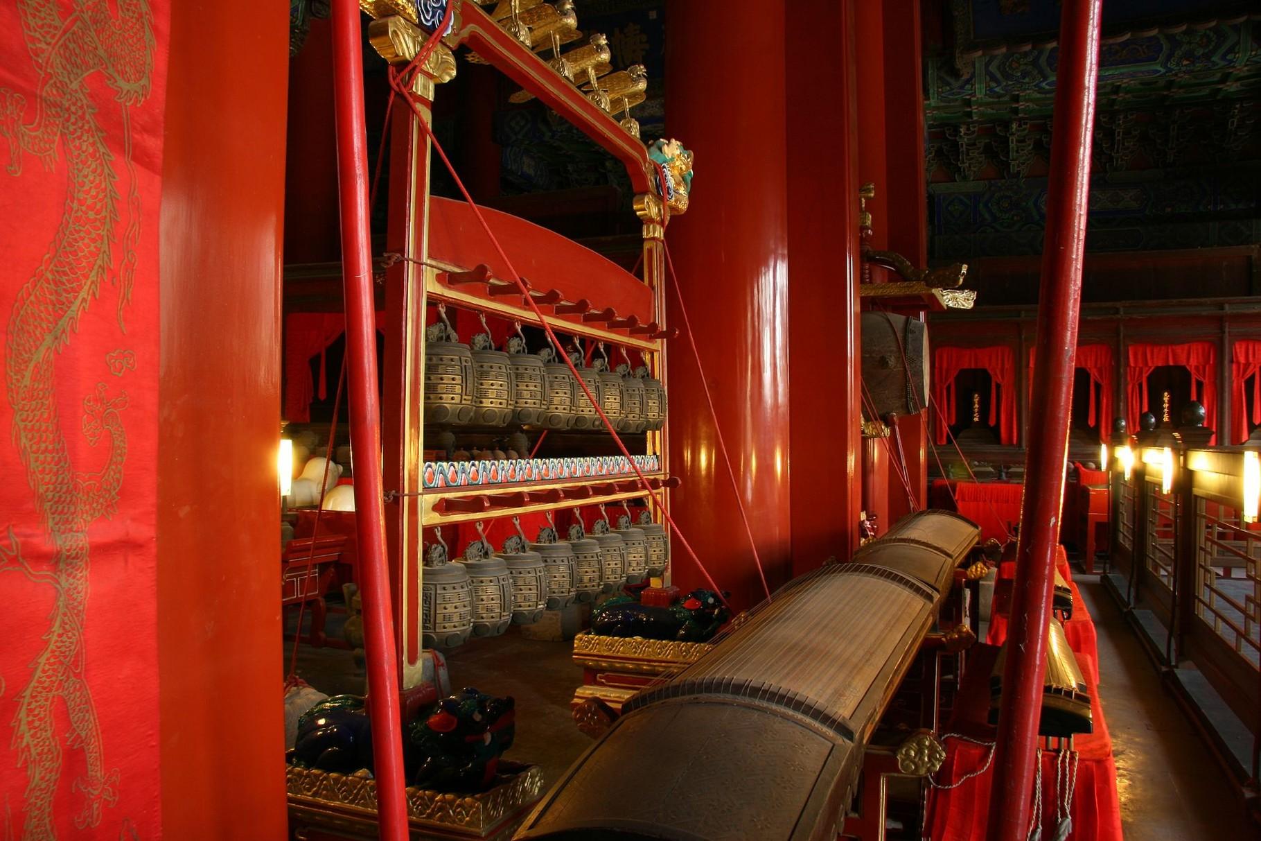 Китайские инструменты в выставочном зале