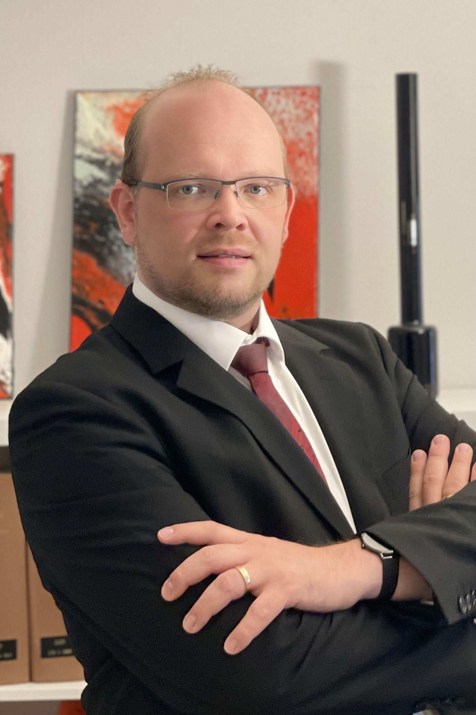 Portrait: Notar René Varelmann von der Kanzlei RechtEffizient in Lingen