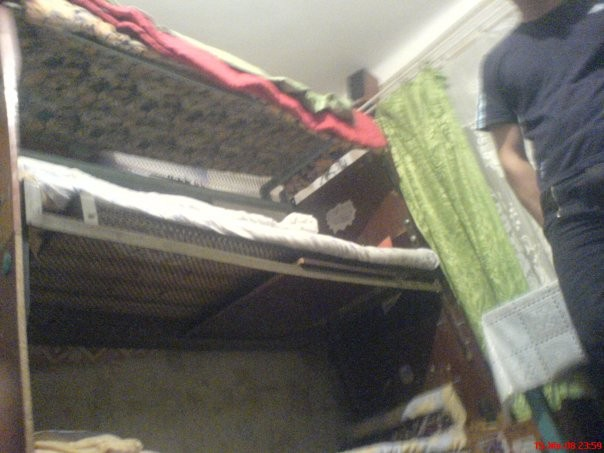 Багатоповерхові ліжка в гуртожитку № 3