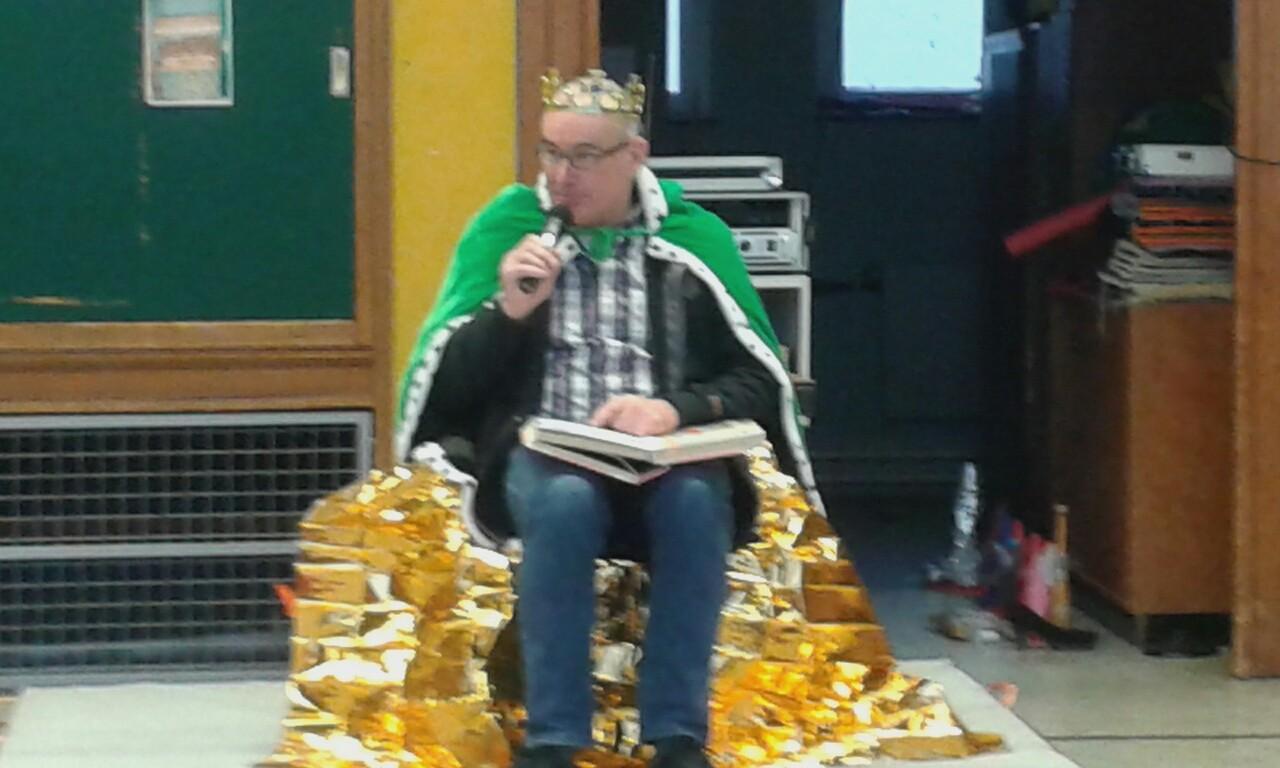 Herr Rentmeister begrüßte alle Kinder zur Märchenwoche im Agathaschloss!