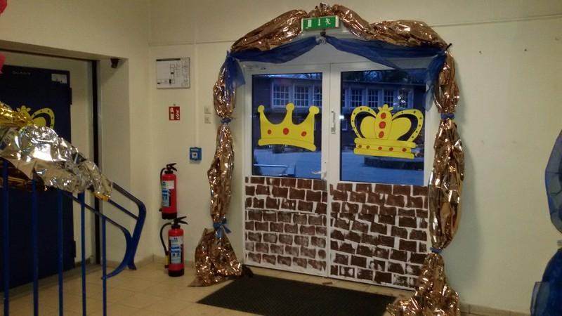 Die Schule verwandelt sich ab sofort in ein zauberhaftes Märchenschloss!