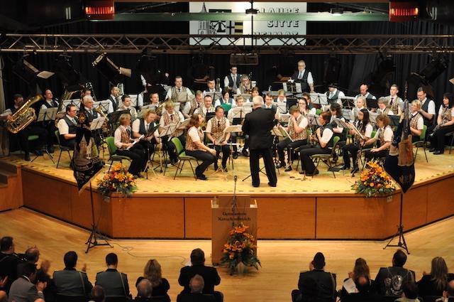 Dirigent der Orchestergemeinschaft Korschenbroich beim Neujahrsempfang 2018