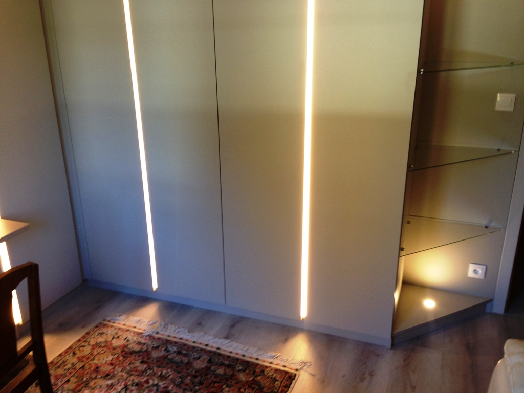 ESPACE CONCEPTION ILLKIRCH DRESSING AVEC FILEUR LUMINEUX LED