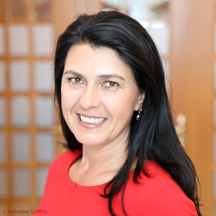 Mag. Renate Altenhofer