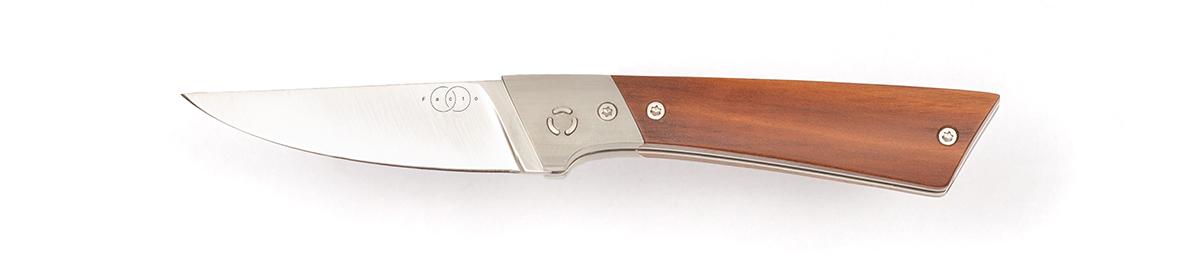 Taschenmesser, Klappmesser, Niolox Rostfrei,  Messerdesign, Hochwertiges Messer Exklusive Messer, Handgefertigtes Messer, Handarbeit, Designermesser, Foto: Janos Freuschle, Facto Messermanufaktur